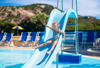 Best Pool Slides: A Complete Buyer's Guide and Reviews for 2018