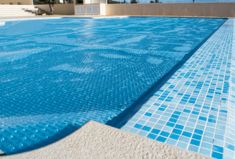Comprehensive Buying Guide to the Best Solar Pool Covers and Reviews for 2018