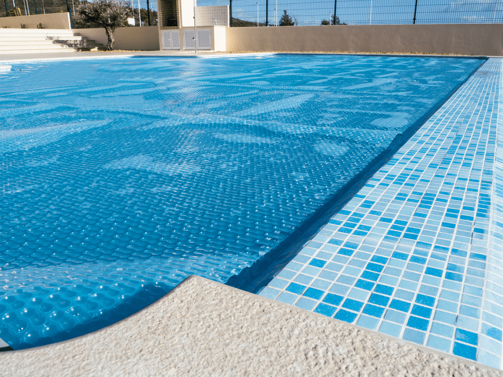 Top 7 Best Solar Pool Covers 2019 Reviews & Guide