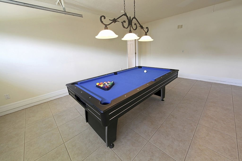 Pool Tables Under 1000